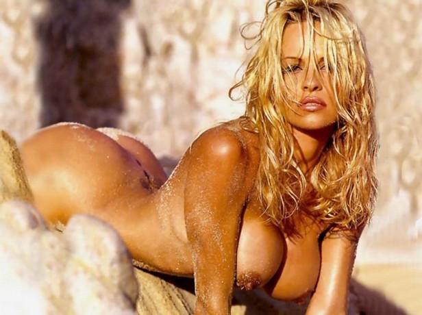 Pamela Anderson nude naked beach huge boobs big tits ass ...